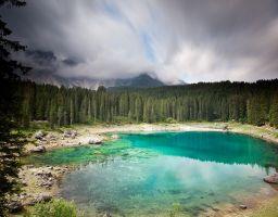Wasser Wald Wolken