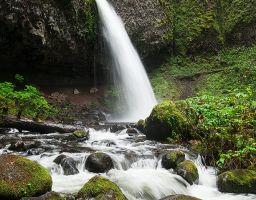 Wasserfall Fels Berg Stein Gischt Moos