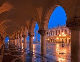Säule Durchgang Palast