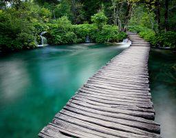 See Wasserfall Wald Steg Land der fallenden Seen