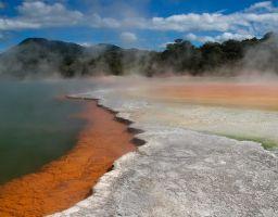 Thermalgebiet Wasser Mineralien See