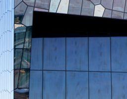 Gebäude Glas Flächen Linien