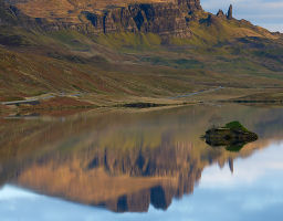 Loch Leathan mit Old Man of Storr